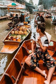 In this post you will read some very useful info about the beautiful Bangkok. Have fun the read and have fun your trip in Bangkok Thailand. Bangkok Thailand Nightlife, Bangkok Travel Guide, Asia Travel, Thailand Shopping, Brisbane, Amsterdam, Thailand Honeymoon, Thailand Photos, Viajes