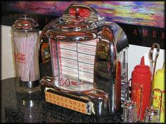 Diner's with table jukebox