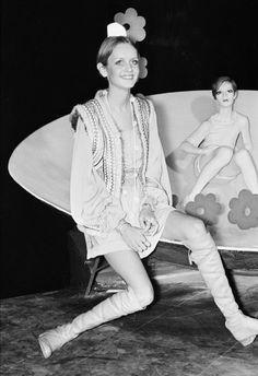 Designer Clothes, Shoes & Bags for Women Twiggy Model, Twiggy Style, Boho Fashion, Vintage Fashion, Vintage Style, 70s Inspired Fashion, Sixties Fashion, Classic Actresses, Hippie Boho