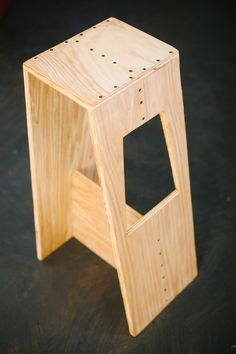 Josh & Sarah's Modern Stool from http://www.abeautifulmess.com/2013/02/josh-modern-stool.html?pintix=1