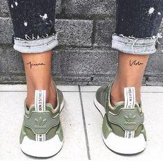 Search inspiration for a Minimal tattoo. Trendy Tattoos, Mini Tattoos, Cute Tattoos, Beautiful Tattoos, Body Art Tattoos, Small Tattoos, Tattoos For Women, Tatoos, Tattoo Ink