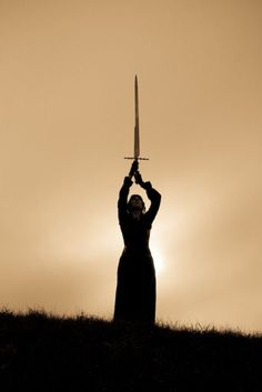 Imagen de sword, black and white, and medieval