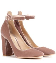 Wear this feminine rose-hued pair with a round toe and slender ankle strap for an elegant look.