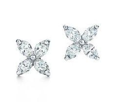 http://hottiffany4u.com/images/yt/Tiffany-&-Co-Victoria-Clover-Inlay-Diamonds-Earrings.jpg