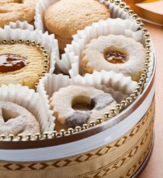 Γλυκό: εύκολα βουτήματα Greek Cookies, Cupcake Cookies, Greek Desserts, Greek Recipes, Brownie Recipes, Cookie Recipes, Sweet Bread, Sweet Tooth, Easy Meals
