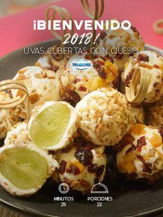 Celebra por un año más de deliciosos sabores mientras disfrutas de las doce campanadas con estas Uvas cubiertas con queso. #recetas #receta #quesophiladelphia #philadelphia #crema #quesocrema #queso #comida #cocinar #cocinamexicana #recetasfáciles #recetasPhiladelphia #recetasdecocina #comer #uvas #botanas #añonuevo #findeaño #recetasuvas #postres #cena #cenafindeaño #recetasbotanas