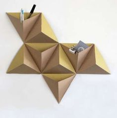 organizador montado de origami- Mounted Origami Organizers - The Tri-Angles Wall Pocket Kit Creates Geometrically Pleasing Boxes (GALLERY) Origami Design, Diy Origami, Origami And Kirigami, Origami Paper Art, Diy Paper, Origami Wall Art, Modular Origami, Origami Folding, Oragami