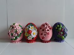 Quilling Designs, Easter Eggs, Diy And Crafts, Ornaments, Easter Ideas, Waiting, Handmade, Projects, Quilling