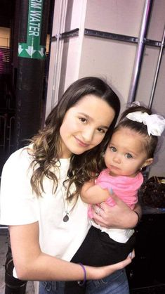 #wattpad #random Annie Leblanc been through a lot. She  was pregnant at 16 and 2 year later she got pregnant at 18.  she had to tell her boyfriend that she was pregnant at 18. She also had to tell her sister and her brothers. They supported her but when the baby was due her boyfriend left and hasn't talked to her o...