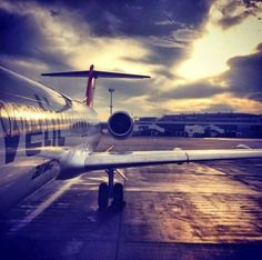 airplane, airport, fly to Lyon