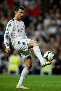 Cristiano Ronaldo plays with the ball during the La Liga match between Real Madrid CF and Levante UD at Estadio Santiago Bernabéu on March 9, 2014 in Madrid, Spain.