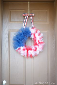 {Thrifty Thursday} A Patriotic Tulle Flag Wreath  MAKE THIS FOR MY MOTORHOME