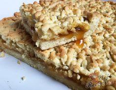 Hrnkový křehký marmeládový koláček | NejRecept.cz Sweet Desserts, Sweet Recipes, Healthy Cake, Biscotti, Banana Bread, Macaroni And Cheese, Cheesecake, Sweets, Baking