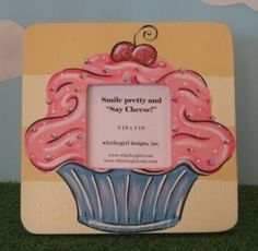 A hand-painted cupcake picture frame!