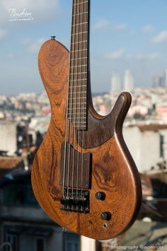 Briken Guitars 5 Telli Bass