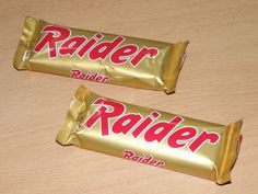 "awwww, I remember it from before it was renamed ""Twix"" - always thought it should've stayed Raider, so much cooler :) Right In The Childhood, My Childhood Memories, Sweet Memories, Good Old Times, The Good Old Days, Peter Et Sloane, Vintage Sweets, Ol Days, Retro Toys"