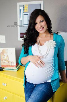Maternity photography by VisuallySpeaking
