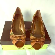 Kelly & Katie Shoes - Open Toe, stripes, small wedge heel shoes