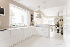 10 senttiä normaalia syvemmät keittiön tasot tuovat huomattavasti lisää työskentelytilaa.