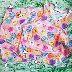 I totally want some pajamas like these. <3