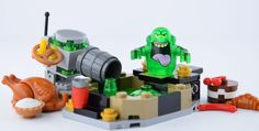 What is a Slimer with some food and swimming pool ?   A Slimer on vacation !  Here you can see the result !  For the pool, I take this from the set : Rescue from Ra's as Ghul because it looks a slimming pool !!! Original picture by me