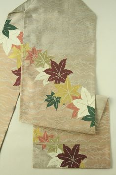 Red and White Nagoya Obi, Kaede Leaves Patter / 赤白橡色染め分け風地 楓のお太鼓柄 名古屋帯   #Kimono #Japan http://www.rakuten.co.jp/aiyama/
