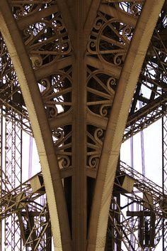 Eiffel Tower, Paris ...reépinglé par Maurie Daboux