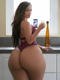 Soft, tender and sweet Camila booty Sexy Ass, Sexy Body, Bikini Girls, Hot Girls, Curves, Sexy Women, American, Bodybuilding Women, Latina