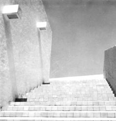 Detalle de la fachada, Oficinas de la firma 'R. Legorreta V. Arquitectos', Palacio Versalles 285, Lomas de Reforma, México, DF 1966   Arq. Ricardo Legorreta -  Detail of the facade, Offices of the firm 'R. Legorreta V. Arquitectos', Palacio Versalles 285, Lomas de Reforma, Mexico City 1966