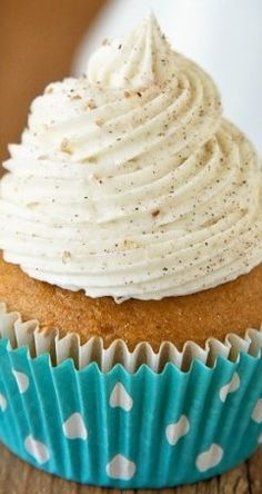 Pumpkin Cupcakes With Cinnamon Sugar Frosting