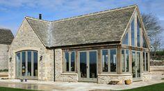 House near Burford - craftsman - Exterior - South East - Spirit Architecture Extension Veranda, Cottage Extension, Barn Conversion Exterior, Barn Conversions, Barn House Conversion, Barn Windows, Green Windows, Ceiling Windows, Oak Frame House