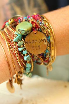harmony - modern hippie, hippie style, hippie chic bracelets - Sharing My Style Boho Hippie, Estilo Hippie, Hippie Life, Boho Gypsy, Gypsy Moon, Hippie Man, Jewelry Accessories, Fashion Accessories, Fashion Jewelry