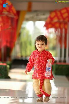 Hiya Reddy's Magnificent Half Saree Ceremony As Grand As A Wedding Toddler Boy Outfits, Kids Outfits Girls, Dresses Kids Girl, Kids Indian Wear, Kids Ethnic Wear, Baby Boy Ethnic Wear, Kids Party Wear Dresses, Kids Dress Wear, Boys Party Wear