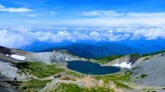 夏の終わりの乗鞍岳山頂からみた権現池