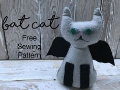 Bat Cat Halloween Sewing Pattern - Miss Daisy Patterns Happy Halloween. Bat Cat Halloween Sewing Pattern is my latest free Softie Pattern, quick and easy to hand sew together Moldes Halloween, Halloween Socks, Halloween Sewing, Halloween Cat, Happy Halloween, Felt Doll Patterns, Stuffed Toys Patterns, Sewing Patterns Free, Free Sewing