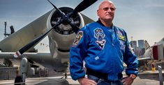 Watch astronaut Scott Kelly struggle to walk on Earth after a year in space  ||  As if his legs are made of jelly https://www.theverge.com/2017/10/28/16549898/scott-kelly-pbs-exclusive-clip-year-in-space-walking-problems-zero-gravity?utm_campaign=crowdfire&utm_content=crowdfire&utm_medium=social&utm_source=pinterest
