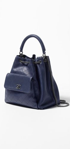 Drawstring bag, calfskin-navy blue - CHANEL