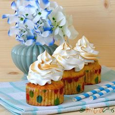 Lemon Meringue Cupcakes who would refuse to try such beauties sweet dessert delight beautiful lemon meringue cupcakes baking pastrylove pastrylife pastry instapic instacake instafood foodgasm curd creamy heavenlydesserts homemade spoilingmyself fiveoclock teatime