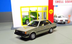 Gallery of Hot Wheels, Greenlight to minicar powerhouses like Tomica Limited Vintage, Kyosho & EVERYTHING in between! Toyota Carina, Matchbox Cars, Road Runner, Diecast Model Cars, Expensive Cars, Hot Wheels, Shell, Toys, Crafts