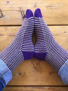 Stripe It To Me socks knitting pattern using 3 balls of Fluffy Fingering merino yarn from Ewe Ewe. A fun pattern! Knitting Patterns Free, Crochet Patterns, Halloween Socks, Fingering Yarn, Knitting Socks, Knit Socks, Knit In The Round, Patterned Socks, Clothes Crafts