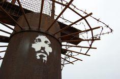 Le Christ et sa couronne d'épines ! / Street art.
