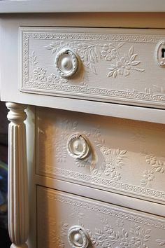 Fresh Farmhouse - Wondering if they used wallpaper border and stock molding to achieve this look>