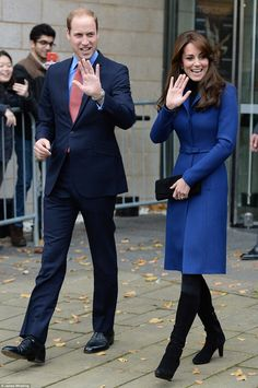 Brilliant in blue! Glamorous Duchess of Cambridge wears bespoke Christopher Kane coat as she and Prince William arrive for first official visit to Dundee  | Daily Mail Online