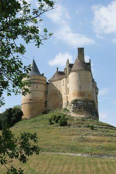 Château de Bannes, Dordogne, France -  http://www.tourisme.fr/2463/office-de-tourisme-monpazier.htm