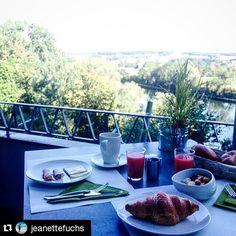 #Repost @jeanettefuchs #insiderei ・・・ Noch schnell das tolle #Bio #Frühstück im #Hotel #Aussicht genießen bevor es weiter nach #Ulm geht.. | #JungeDonau #Neuburg #Donau #organic #breakfast #beautiful #view #sunday #bavaria #germany #FYTinGermany #travelwithme #seewhatisee #instagood #instamood