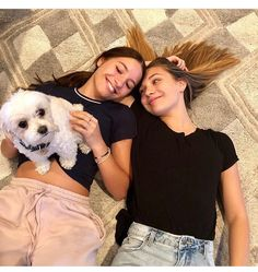 Mackenzie/Maddie Ziegler Mackenzie Ziegler, Maddie Ziegler, Maddie E Mackenzie, Dance Moms Dancers, Dance Moms Girls, Boss Babe, Sisters Goals, Mom Pictures, Best Friend Pictures