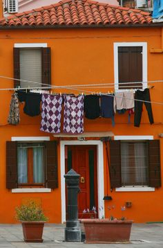 Burano, Italy, photo by @KatjaPresnal