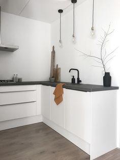 Kitchen Tops, Kitchen Cabinets, Minimalist Kitchen, Dining Room Design, Interior Inspiration, Sweet Home, New Homes, Interior Design, House