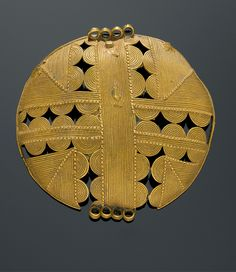 Africa | Pendant from the Akan people of the Ivory Coast | Gold alloy; ca 9.6k | Est. 2,000 - 3,000CHF (Dec/07)
