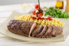 Bolo de carne com molho de tomate